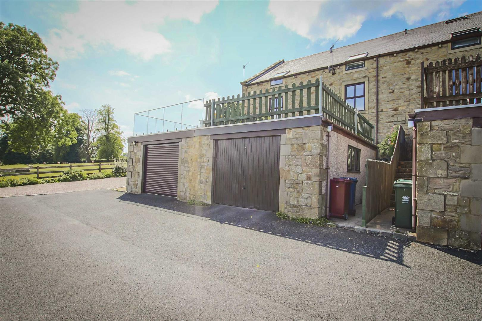 4 Bedroom Townhouse House For Sale - Image 27